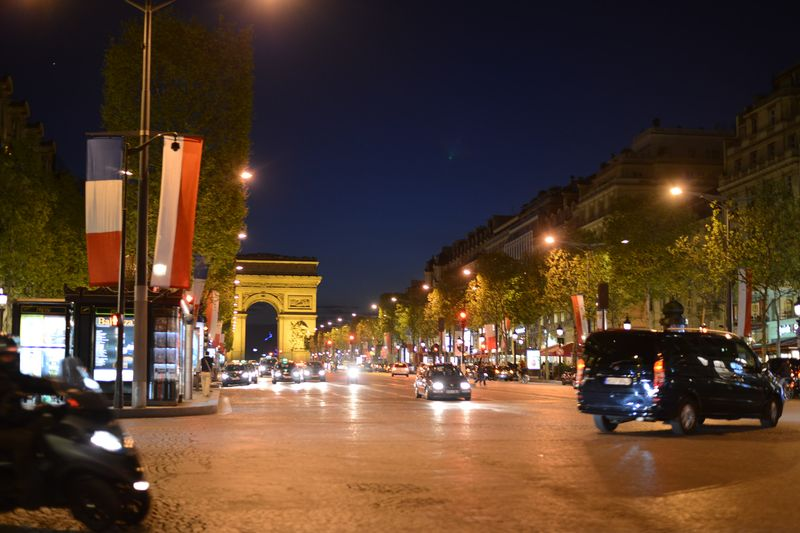 CHAMPS ELYSEES-PARIS NIGHT-EVENING IN PARIS-PARIGI
