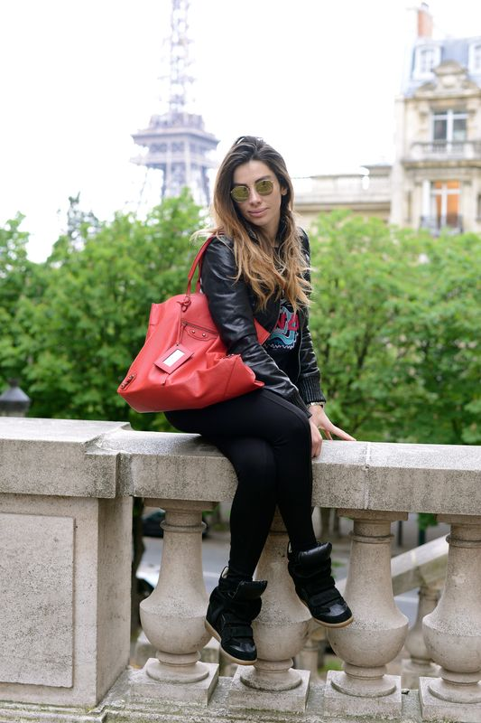 balenciaga-bag-famous blogger- french blogger-fashionista- cool style- kenzo -isabel marant-ray ban