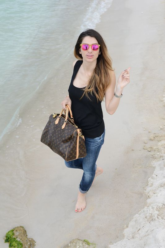 Alessia Maglia - easy fashion style- cool place- mare- vogue- louis vuitton- spektre- dolce&gabbana- dondup-cote d'azur