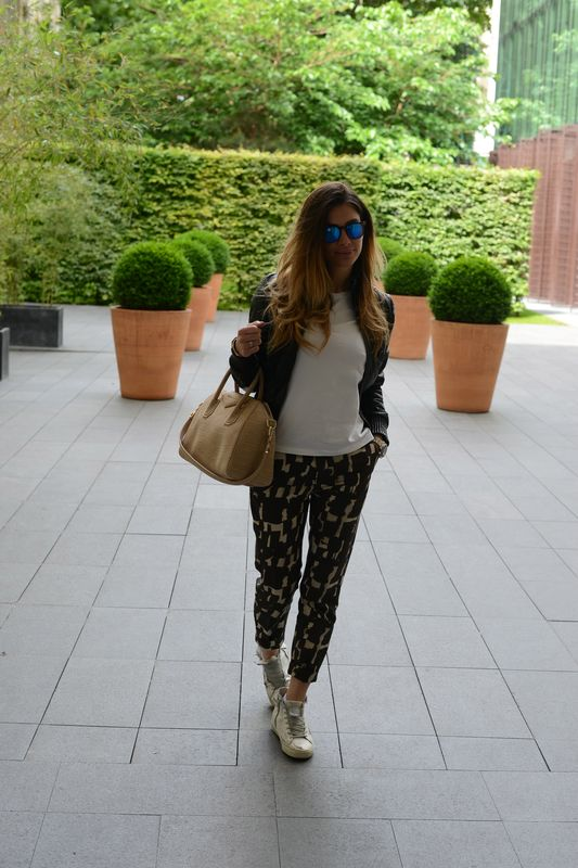alessia maglia- fashion - blogger- easy fashion style- cool - givenchy- spektre- star- golden goose- patrizia pepe- parisienne