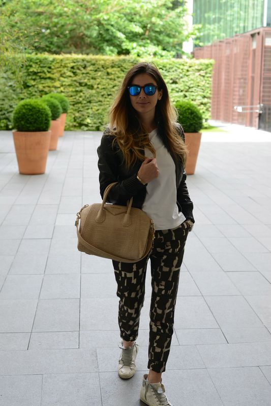 alessia maglia-spektre- givenchy-crocodile-fashion- cool place- paris- goldengoose- fashionista- easy fashion style-