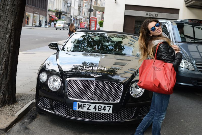 bentley-balenciaga-dpndup-spektre- instagram-london-fashion blogger-cool style-easy fashion style- fashionista-car