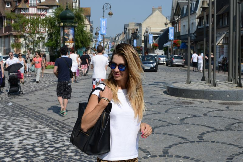 ALESSIA MAGLIA-DEAUVILLE-COOL PLACE-I LOVE IT-ITALIAN BLOGGER-EASY FASHIONSTYLE-EASY FASHION STYLE GOES IN DUEVILLE- TRAVELING-SPEKTRE-FASHIONISTA- CELINE-