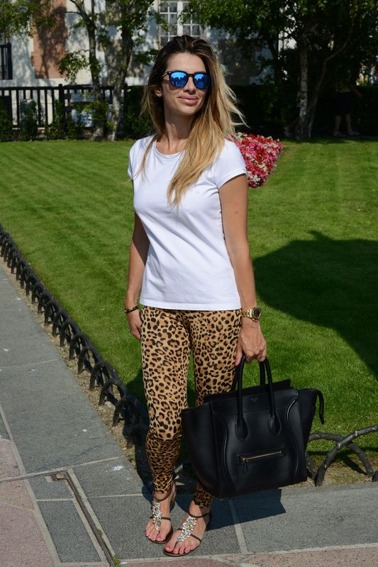 COOL PLACE-ANIMALS PRINTER-SPEKTRE-CELINE-GIUSEPPE ZANOTTI-DEAUVILLE-SUMMER TIME-EASY STYLE-BLONDE HAIR
