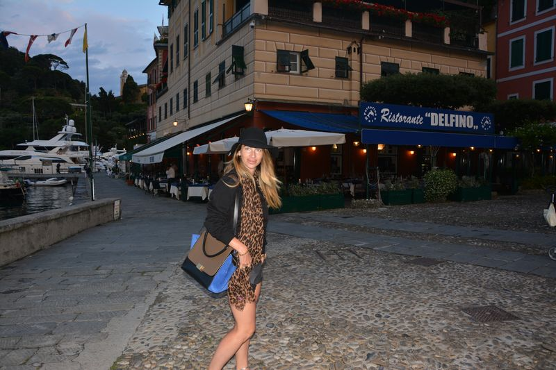 summer time- easy style- louis vuitton- italy- porto fino -celine- cacharel- hat-fashion